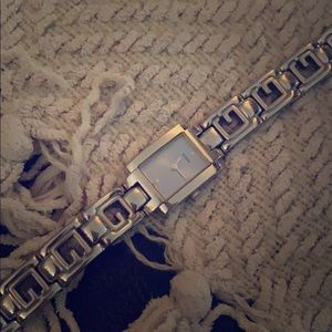 Free w/bundle of 2 or more- vintage guess watch